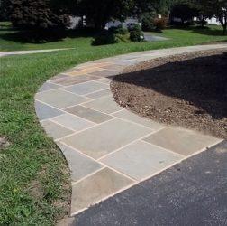 Flagstone walkway in concrete